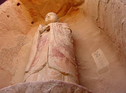 Đại Phật núi Tu Di - động thứ nhất